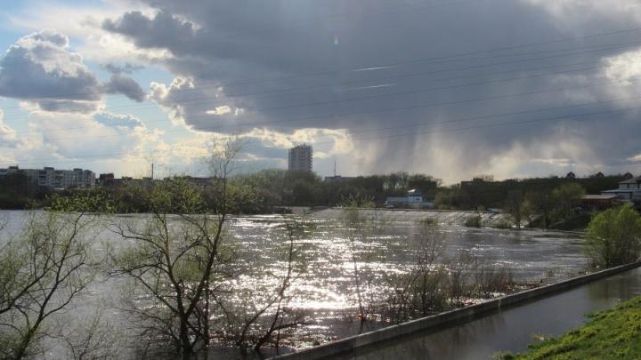 Уровень воды в Тоболе у Кургана превысил отметку в три метра