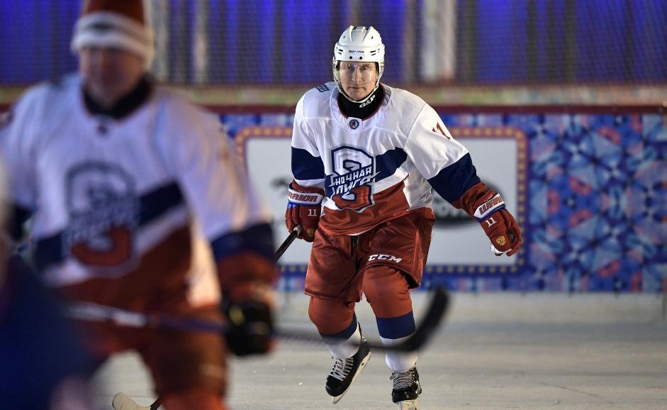 Владимир Путин любит выйти на лёд