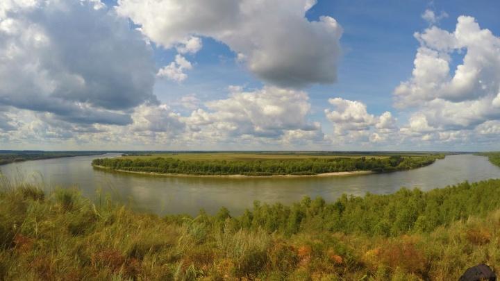 По следам древних людей: любуемся Иртышом с высоты 40 метров на берегу Драверта