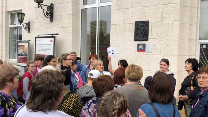 «Саратовцам понравилось, просили повторить»: экскурсионный электропоезд снова поедет в Волгоград