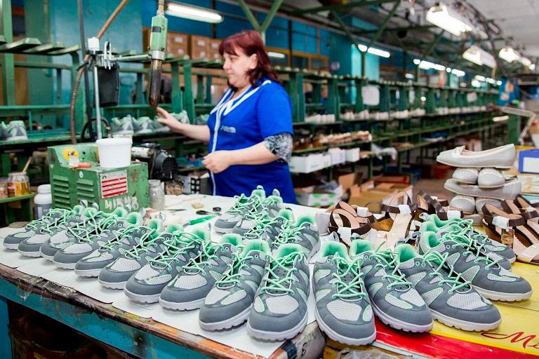 «Обувь России» привлекла наIPO около $103 млн