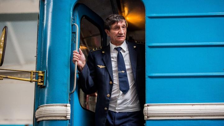 Фоторепортаж: машинисты метро проехались на поездах с полными стаканами