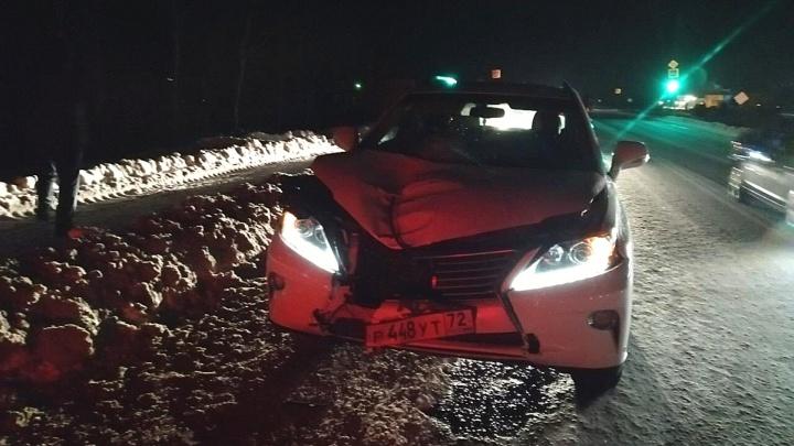 Водитель Lexus сбил насмерть мужчину на трассе Тюмень — Боровский — Богандинский