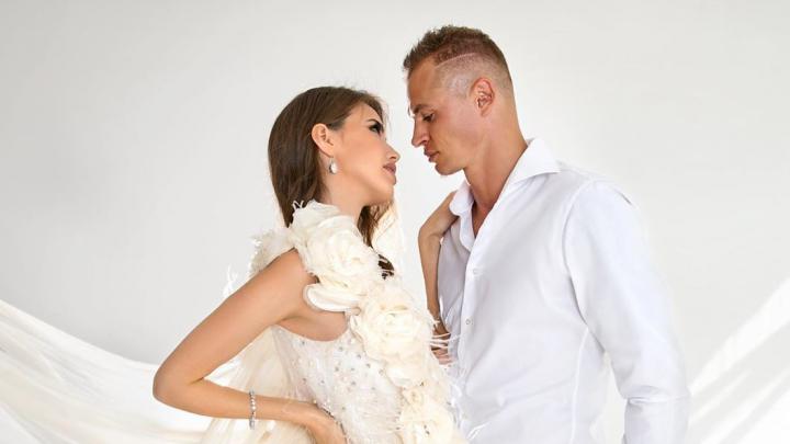 Футболист Тарасов выложил фото своей беременной жены ростовчанки Костенко