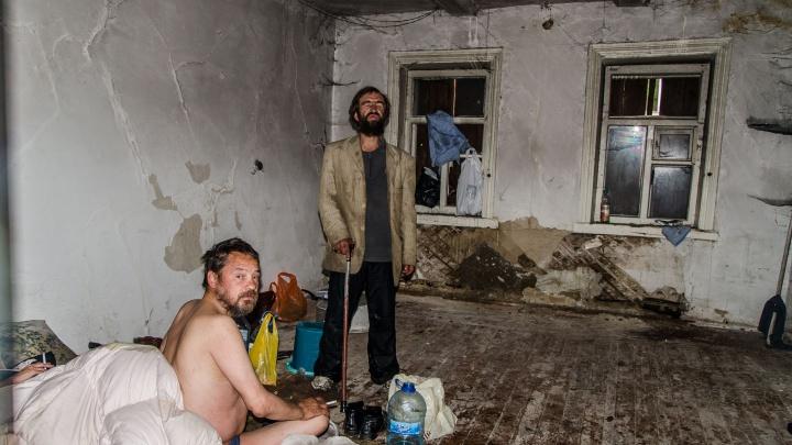 Исчез навсегда: разглядываем архивные кадры 100-летнего дома, который снесли тюменские бизнесмены