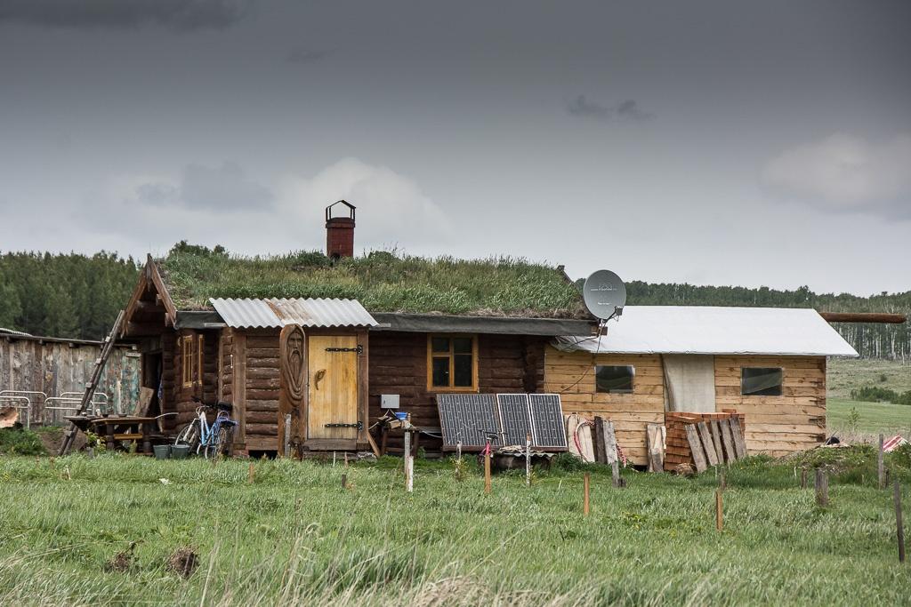 Солнечные батареи в глухих селах — вынужденная фантастика