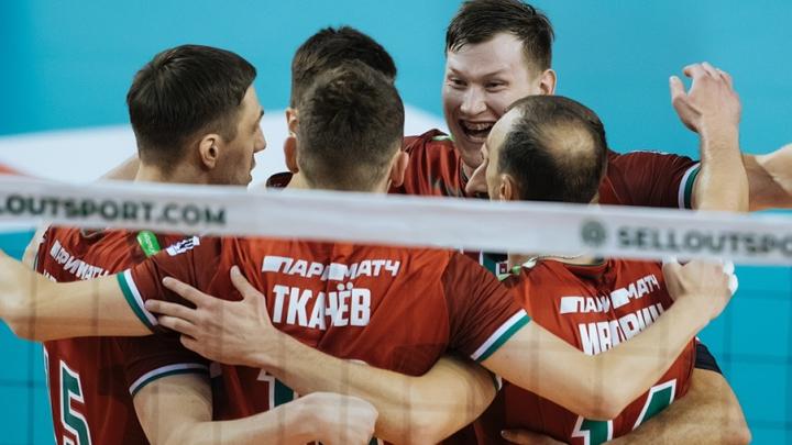 Новосибирские волейболисты всухую обыграли команду «Нова»