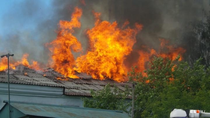 Церковь старообрядцев подожгли! Пожар в памятнике архитектуры на Розы Люксембург будут расследовать