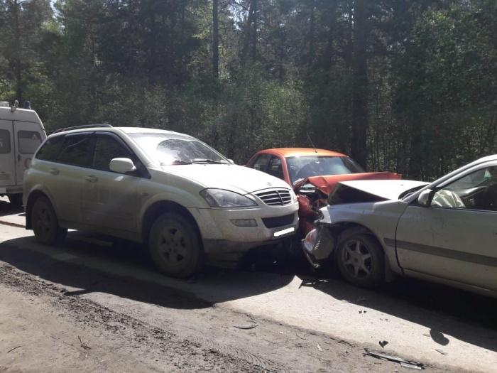 Автомобили сошлись в ДТП на улице Баганской