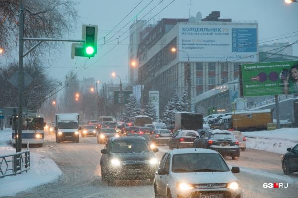 Улицы города оказались загружены «под завязку»