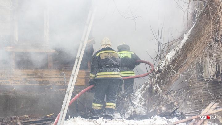 «Пожары происходят по глупости»: сотрудники МЧС просят самарцев не использовать китайские тройники