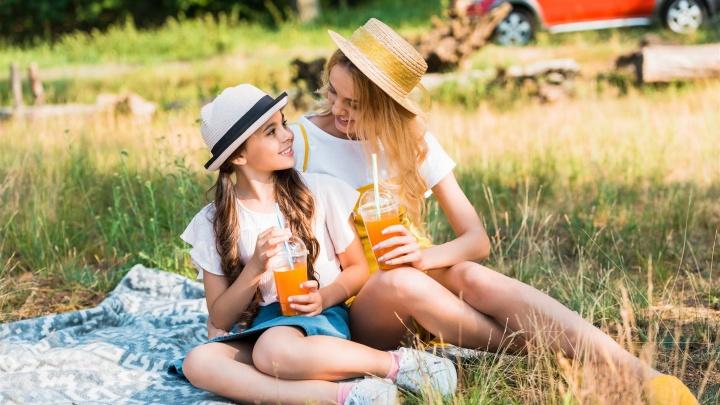 Лей и пей: что взять на пикник, если газировка уже приелась