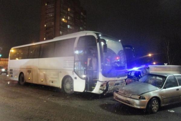 В аварии с автобусом в Ярославле пострадала беременная женщина