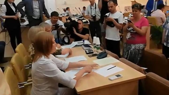 Хоть кого поставь — всё равно безысходность: в Миассе сорвали выборы главы города