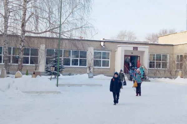 В классе, где заболела девочка, уже две недели следят за состоянием каждого ученика