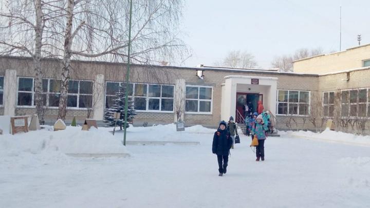 «Проверяют всех детей»: в челябинской школе ввели карантин из-за коклюша