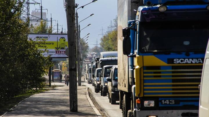 На трех трассах Ростовской области установят новые пункты весового контроля