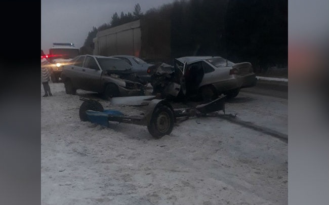 Смертельная авария на трассе Уфа — Оренбург столкнулись две легковушки