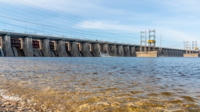 На Жигулевской ГЭС закрыли водосливную плотину