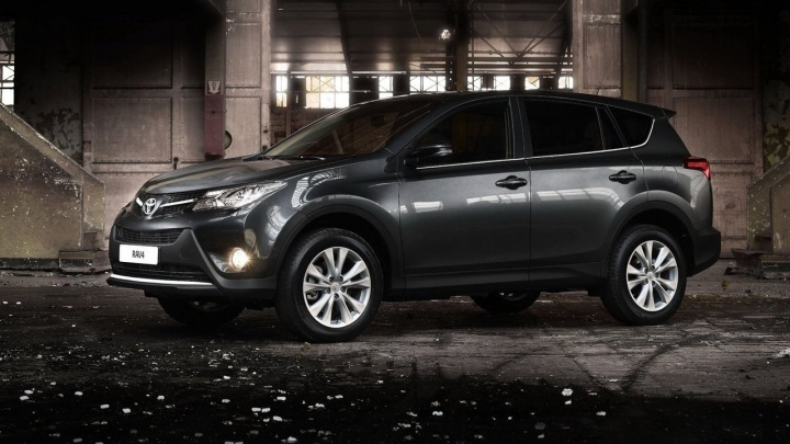 Купил «Тойоту» — ещё и наварился: кроссовер Toyota RAV4 за 5 лет сохранил 108% своей стоимости