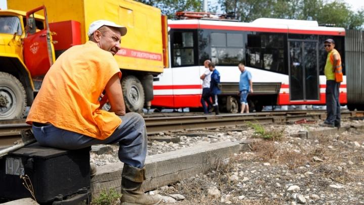В Волгограде по неопытности стажёра скоростной трамвай сошёл с рельсов