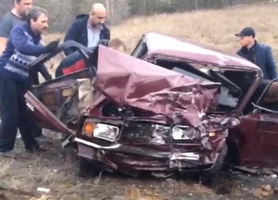На Тюменском тракте в лобовом столкновении погиб пассажир ВАЗа