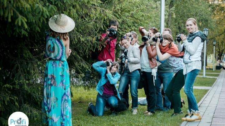 Обладателей любых фотоаппаратов научат делать красивые снимки на бесплатном уличном мастер-классе
