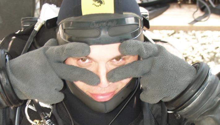 «Гидрокостюм не даст ему утонуть»: эксперт — о поисках пропавшего в Черном море уральского дайвера