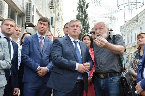 Чиновники и представители общественности осмотрели отремонтированные исторические здания
