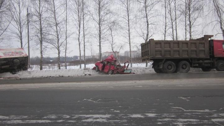 ВАЗ, «Тойота», «Газель» и два грузовика: стали известны подробности массового ДТП с пострадавшими