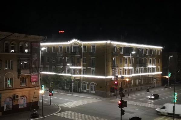 Роман полагает, что это нельзя назвать архитектурной подсветкой по определению