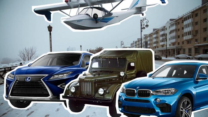 Летают на личных самолетах и катаются на мотоциклах: ВИП-гаражи тюменских дорожников и похоронщиков