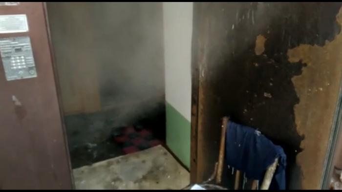 В квартирах на первом этаже из-за горячего пара нагрелся пол