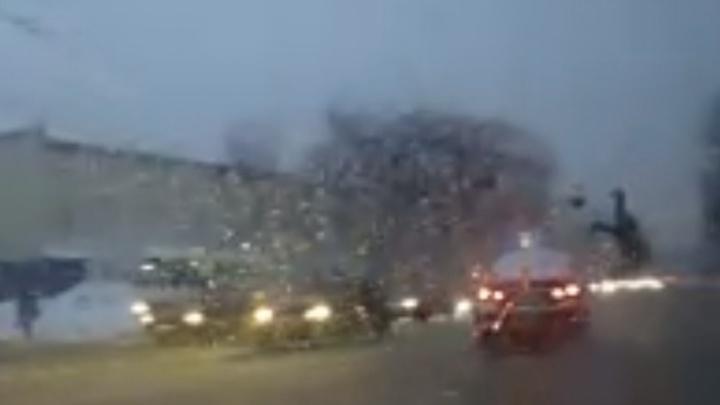 «Подбросило над машиной!»: в Самаре водитель на «Шевроле» сбил 54-летнюю женщину