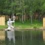 Инвестор не хочет закрывать скульптуру Нептуна в курганском ЦПКиО из-за парка с динозаврами