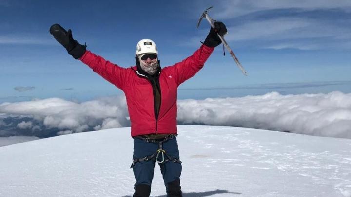 «Я был на грани гибели»: Олег Савченко поднял флаг Волгоградской области над горами Эквадора