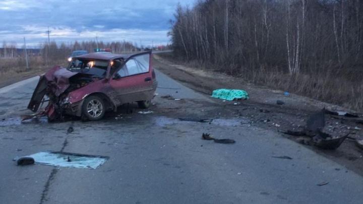 В Башкирии лоб в лоб столкнулись две легковушки: погибла пассажирка