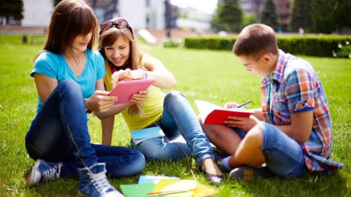 Летние школы НГУЭУ: родителям предложили шесть способов занять ребенка на каникулах