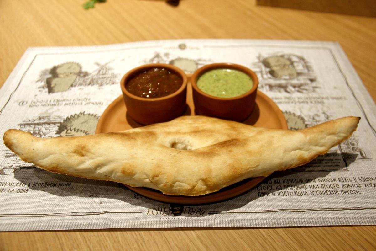 Название ресторана — это игра слов. «Пури» по-грузински — хлеб.