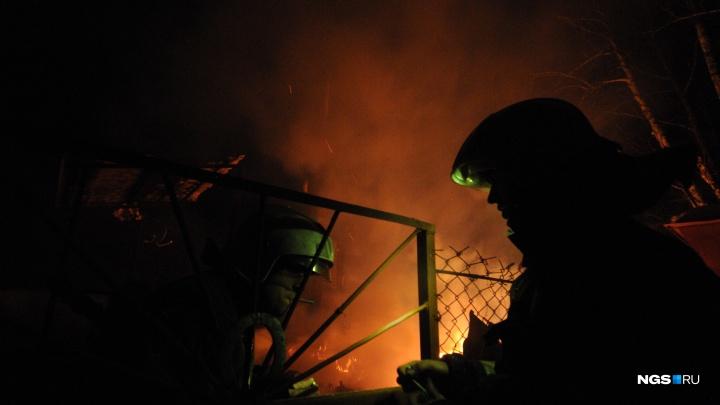 В Кировском районе загорелась комната в девятиэтажке — пострадала женщина