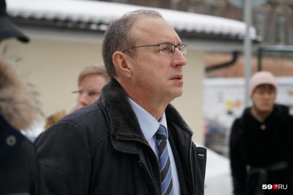 Дмитрий Самойлов сообщил, что реконструировать дороги в Перми теперь будут комплексно: с ливневой канализацией и благоустройством