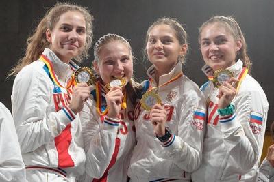 Слева направо: Светлана Шевелева, Анна Башта, Яна Обвинцева, София Позднякова
