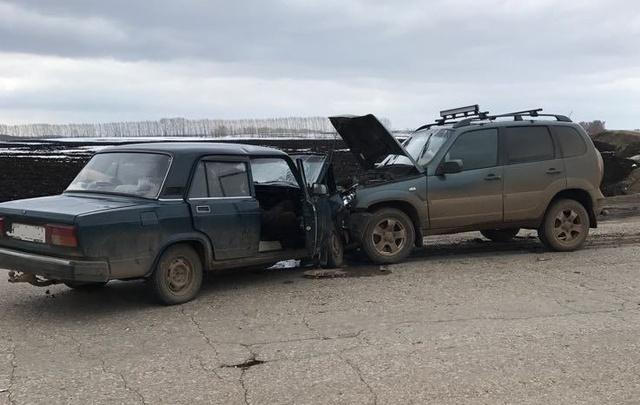 На трассе в Башкирии легковушка влетела во внедорожник