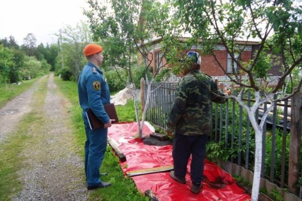 Дачников, разжигающих костры в огороде, могут оштрафовать