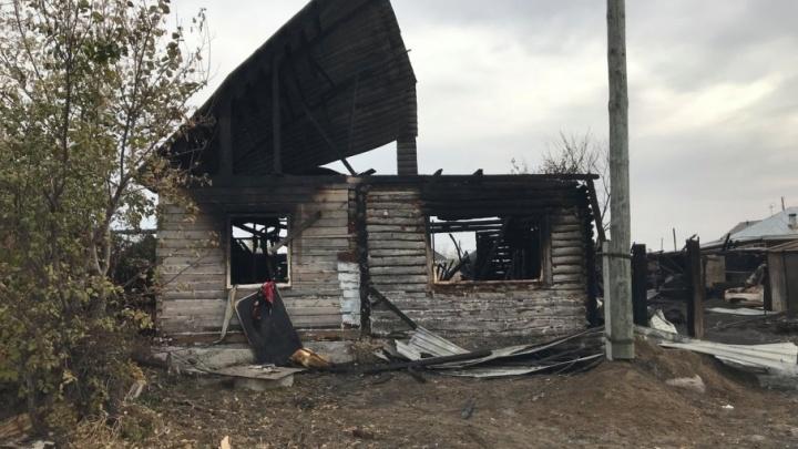 Второй семье погорельцев из Петухово дадут 50 тысяч рублей