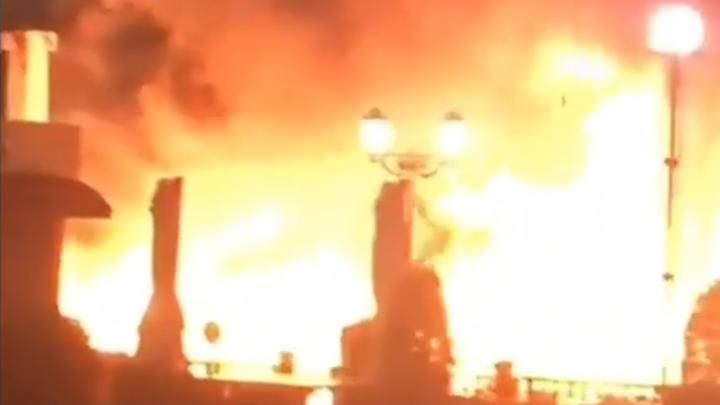 В Ростове на набережной сгорело кафе