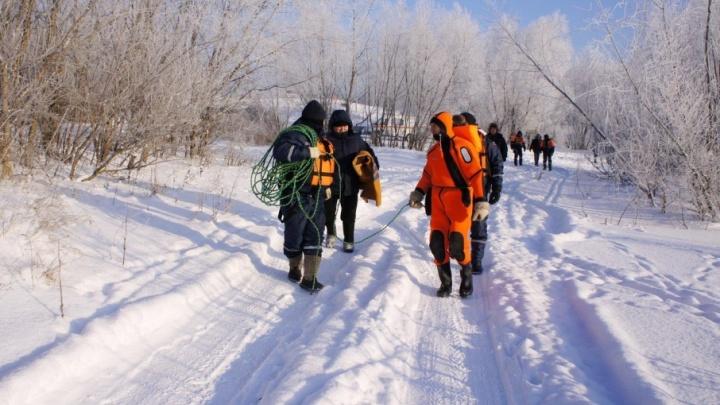Спасатели начали поиски пропавшего в Уфе подводного охотника
