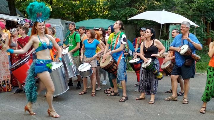 «Тело танцует, на душе радость»: под Тольятти стартовали «Барабаны мира»