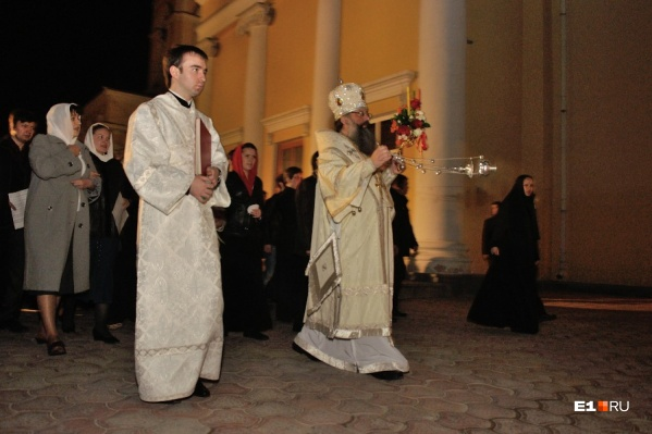 Участники крестного хода понесут транспаранты с портретом Николая II