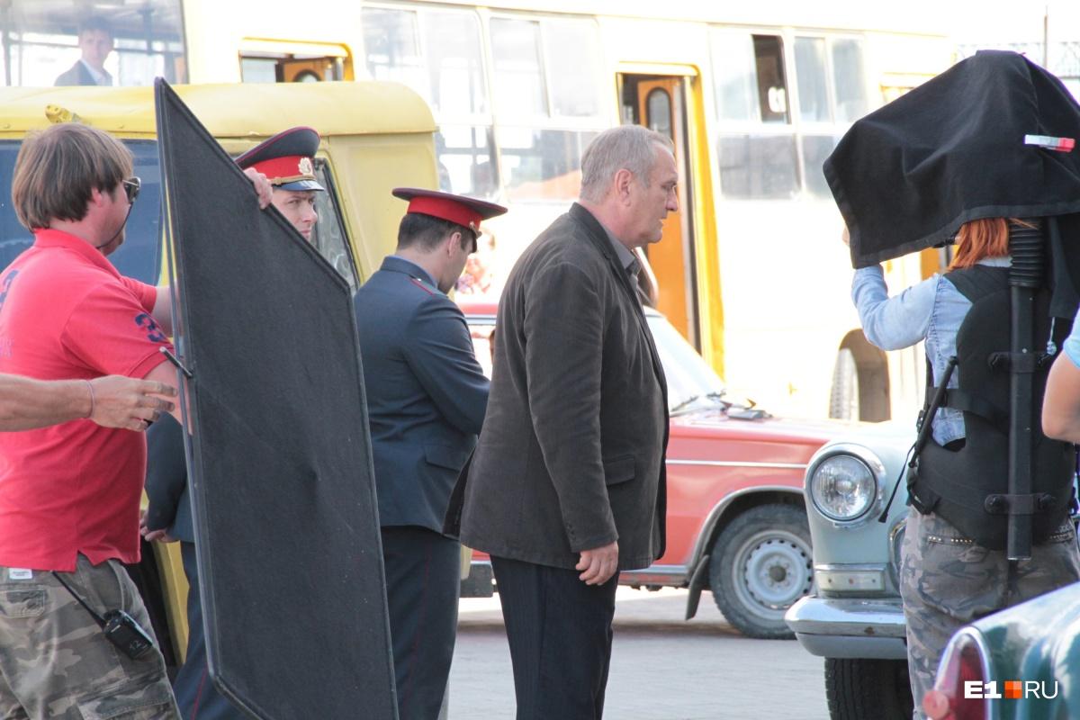 В аэропорту Кольцово снимают сериал про золотодобытчиков с Александром Балуевым в главной роли